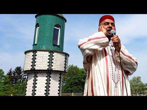 Kirchenglocken und der Ruf des Muezzin in Köln