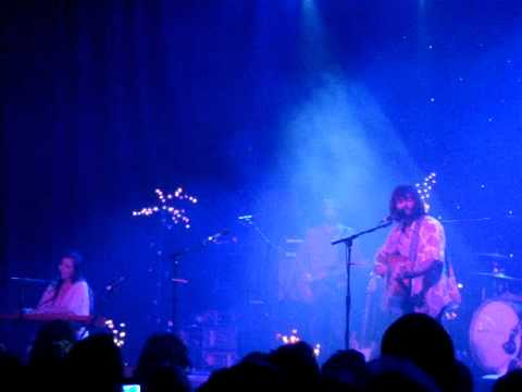 Angus And Julia Stone- Just A Boy Live