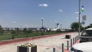 Аэропорт Ургенч Боинг 757 200 взлетает.