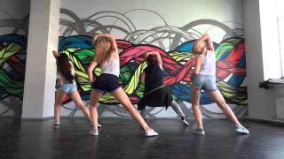 Coach. Reggaeton Dance Video.