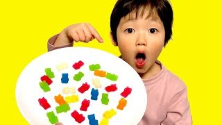 Learn Colors with Gummy Bear and Nursery Rhymes Kids Song/Finger Family Song 英語の色を覚えよう!