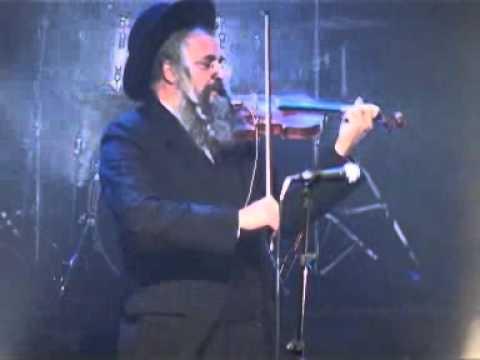 דניאל אהביאל  Daniel Ahaviel במופע חב''ד