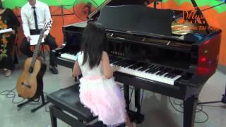 Bé 5 tuổi chơi đàn Piano bài Thư Gửi Elise rất tự tin