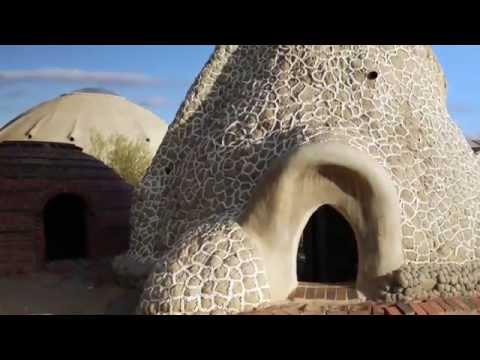 Sustainable Architecture: Hesperia's Superadobes
