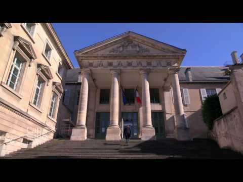 Cap Sud Ouest: Poitiers, un livre d'histoire à parcourir.