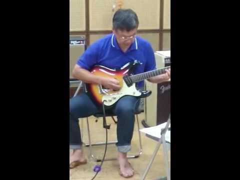 バンド練習リードギターピンクパンサーのテーマ