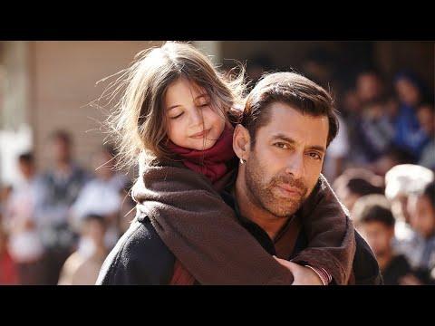 看完这部电影惊叹印度电影怎么这么好看。印度电影《小萝莉的猴神大叔》印度大叔护送巴基斯坦小萝莉回家,大爱感化宗教对立冲突
