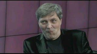 #Невеев (интернет фрик) и Александр Невзоров (легенда ТВ)