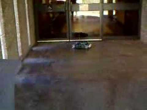 The Bleak Cabal: Roomba Outdoor Test, 13 Nov 2007