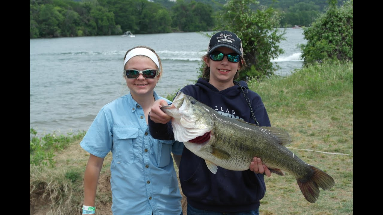 Lake austin big bass lake travis high school open youtube for Lake travis fishing report