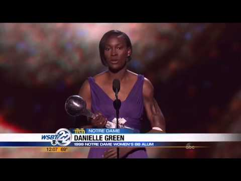 Former Notre Dame player honored at the ESPYs
