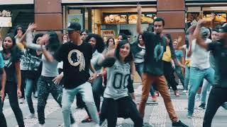 Hillsong Young & Free   Flash Mob Gospel 2016   São Paulo SP