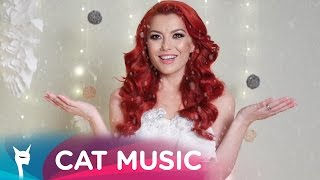 Repeat youtube video Elena - E Craciun si Ninge (Lyric Video)