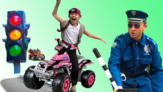Chiki-Piki kids pretend play police and ride on car toys |  Learning video for children