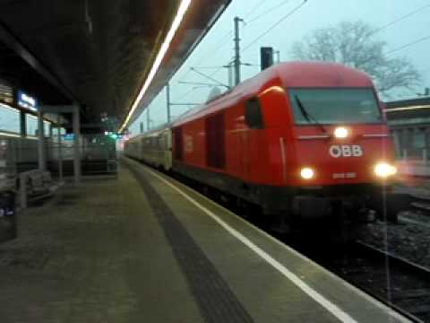 "Passenger train D 285 ""Zagreb"" from Vienna to Zagreb"