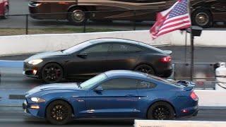Tesla vs American Muscle Cars - drag racing