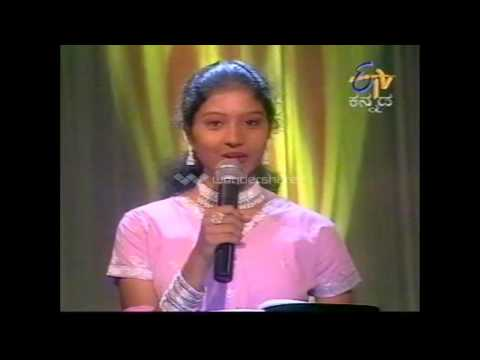 Shashikala Sunil singing with S.P.Balasubramanya in 2003