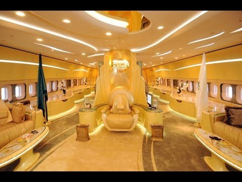 Смотреть Как путешествует король Саудовской Аравии. онлайн