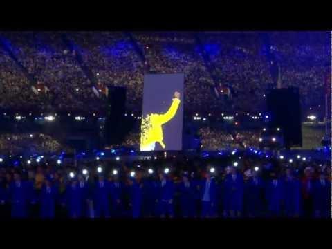 London 2012 Olympic Games closing Ceremony: Freddie Mercury/Brian May