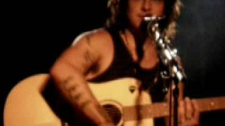 Watch Ryan Cabrera How bout Tonight video