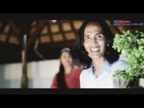 BATIS KADENGAN - Singtaen Ngoyong Jumah - Yan Mus Ft Putu Lina (Official Music Video)