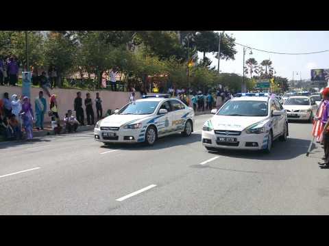 Merdeka Seremban 2013 - Polis (with loud siren)