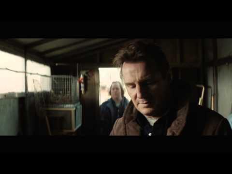 Caminando entre las tumbas - Trailer español HD