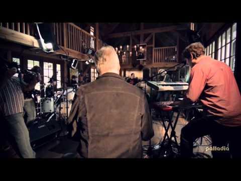 Daryl Hall with Minus the Bear -