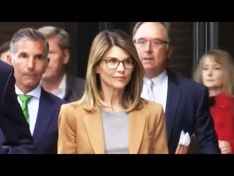 Lori Loughlin Is 'SCARED' After Agreeing to Plead Guilty & Serve Jail Time for College Scandal