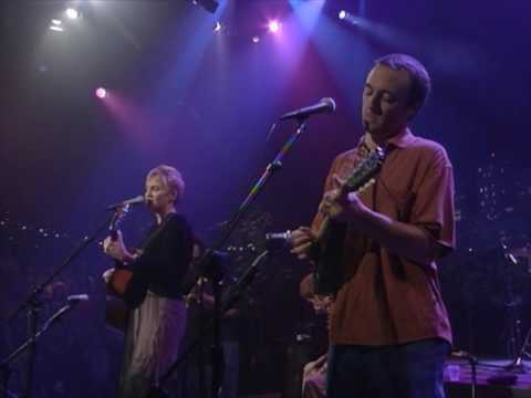"Eliza Gilkyson - ""Fall Into The Night"" [Live from Austin, TX]"