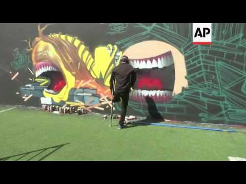 International graffiti artists gather in Mexico City