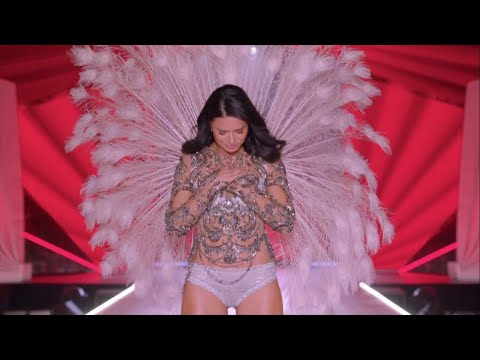 Adriana Lima Final Victoria's Secret Runway Walk (All VSFS Walk Compilation) 1999 - 2018 HD