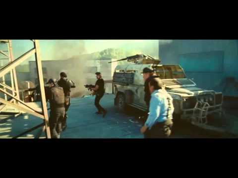 "THE EXPENDABLES 2 - ""A Motorcycle Goes Flying"" - 2° Clip film"