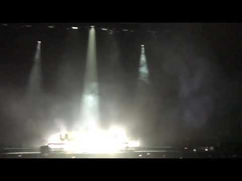Lorde - Sober intro melodrama world tour - kansas city