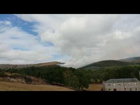 El incendio de Vilalba arrasa ya 33 hectáreas