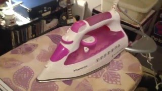 Russell Hobbs Steamglide 21360 10 Steam Iron+White Knight 28009W Spin Dryer Test BHF