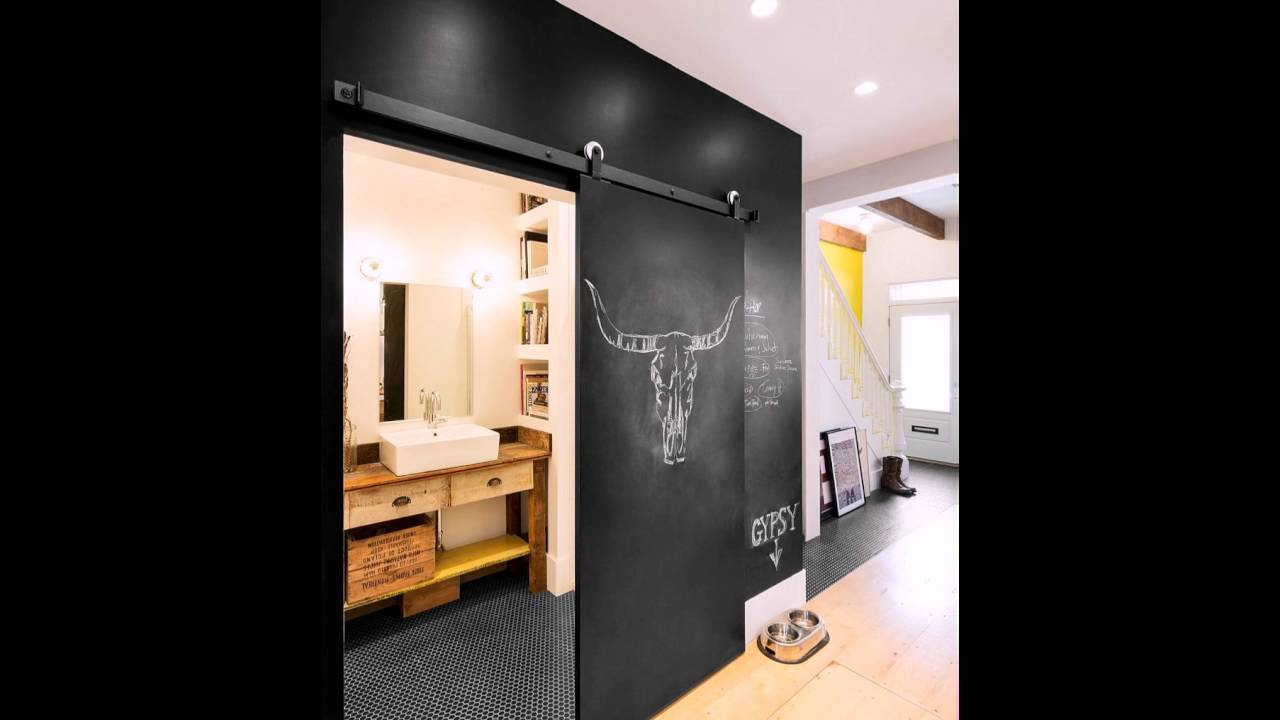 Tafel Wand Und Schiebetur Das Winzige Badezimmer Auf Der Unteren
