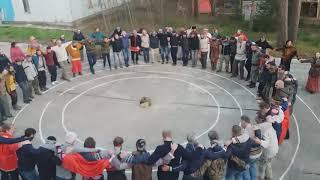 Наконец-то! Русские тоже танцуют свои национальные танцы Мощно! Вместе мы сила😆