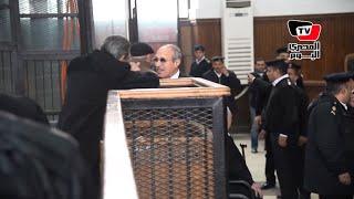 لحظة قرار «جنايات القاهرة» بمنع «العادلي» من السفر والتصرف في أمواله
