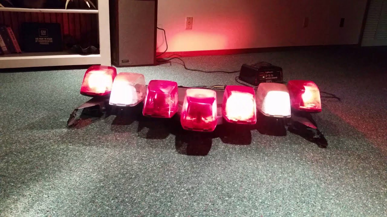 Federal signal vector light bar red youtube federal signal vector light bar red aloadofball Gallery
