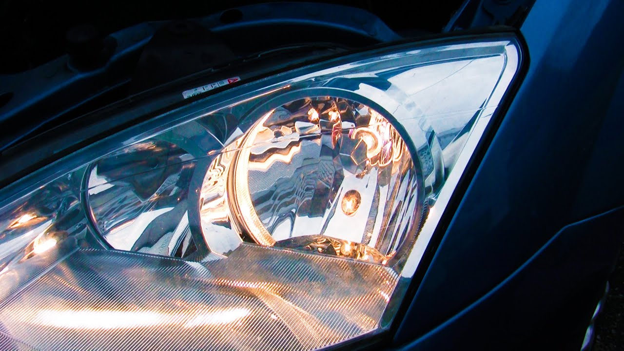 Simple how-to: Change headlight bulbs, Ford Focus Mk1
