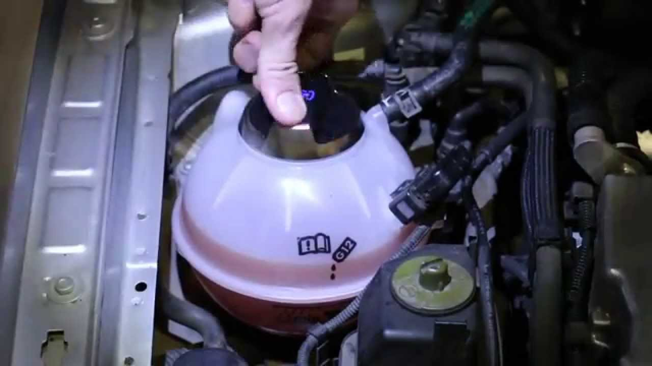 DIY: Volkswagen Mk4 GTIJetta ReservoirExpansion Tank replacement (ECS Tuning)  YouTube