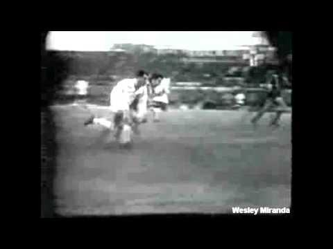 28/07/1962 - Peñarol 1x2 Santos - Estádio Centenário - Montevidéu, Uruguai