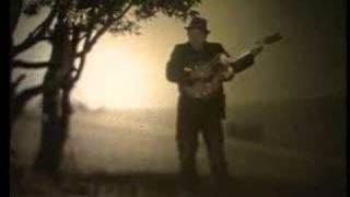 "Tom Waits - ""Hold On"" (ANTI-)"