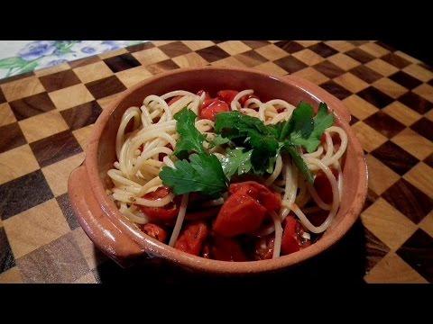 """Favorito Spaghetti con pomodorini del """"piennolo"""" al forno - YouTube GB62"""