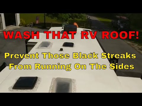 Wash That RV Roof -  Keep Those Black Streaks Off The RV! 💪