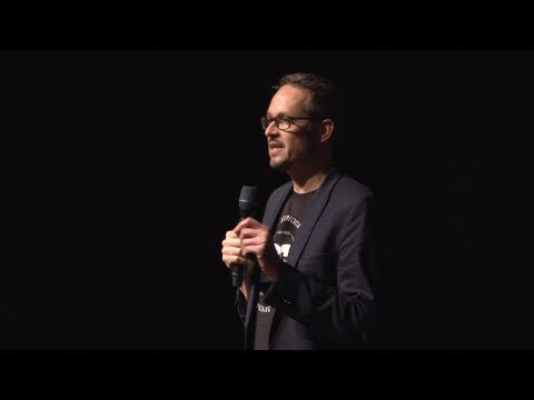 A UX Survival Guide for the 2020s /  Robert Stulle - UX Salon 2017
