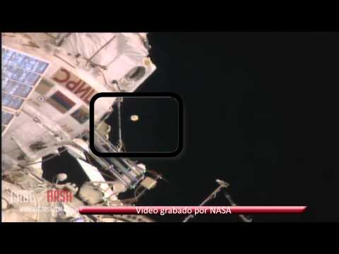 ASTRONAUT REPORTS AN UNIDENTIFIED FLYING OBJECT NEAR SPACE STATION (ISS) AUGUST 20, 2013