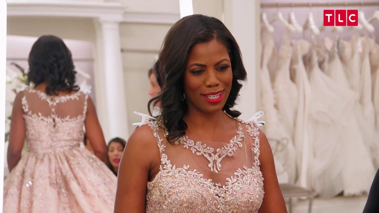 Omarosa Wedding Dress.Omarosa S Wedding Photo Shoot Was Intended For The White