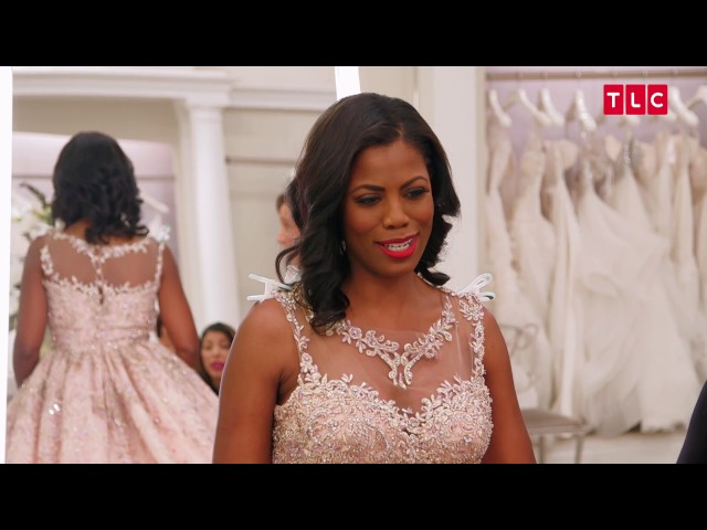Here Are Details From Omarosas Dream Blush Wedding Essence